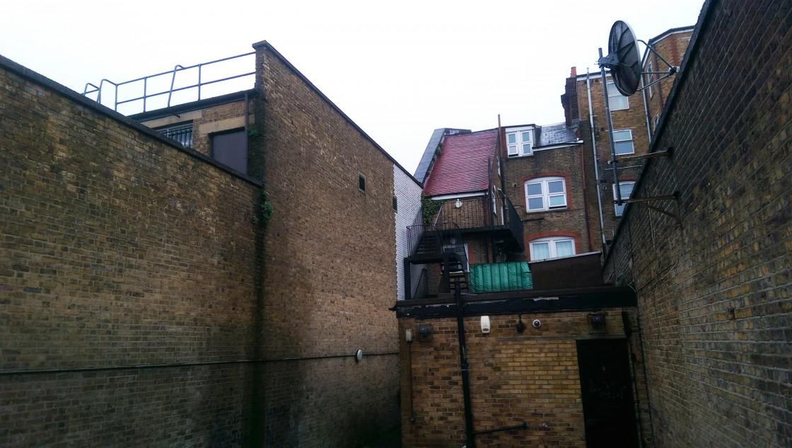 imag1423 Streatham High Street, SW16